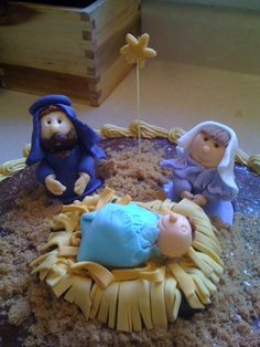 fondant figures I made for a Christmas cake.  No molds, just my fondant tools and hands.  Nativity scene