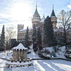 Amazing time in Bojnice ❄️❄️ #travel #wanderlust #exploremore #gettinglost #together #winter #madeinslovakia #bojnice #castle #beauty #chill #weekend #trip #potd #travelpics #dnescestujem #slovensko #krasa #zamok #zima #snim #zimnarozpravka