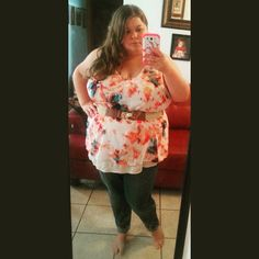 Cute plus size outfit. Ava and Viv top. Old Navy skinny jeans. Plus size fashion.