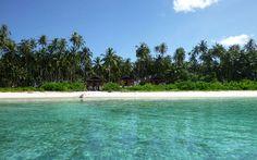 The amazing beach at Telo 101 in Sumatra.