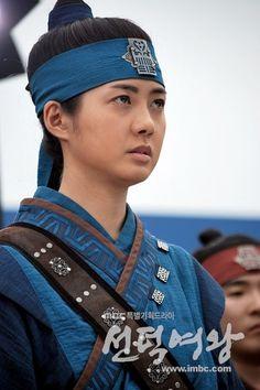 Le Yo Won actrice who played Deokmon, disguising as a Hwarang soldier. #KDrama #Korean #CostumeDrama