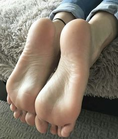 Recommend pantyhose pedicure boy mom