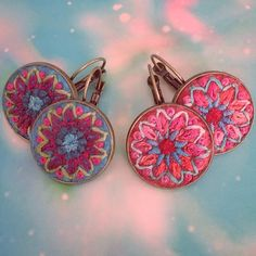 Ready for summer earrings #embroideredjewelry #embroidery #broderie #bordado #stitched #earrings #schmuck #stickerei