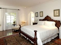 """I love this bedroom. """"It's Complicated"""" hacienda from Hooked on Houses."""