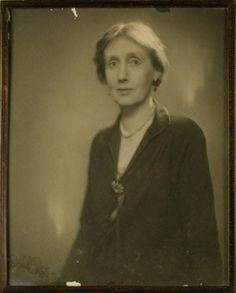 Virginia Woolf photographed by Lenare in 1929