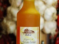 Liquore al mandarino, Ricetta Petitchef Hot Sauce Bottles, Yummy Food, Drinks, Smoothie, Cocktail, Pallets, Gift, Alcohol, Canning