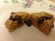 Peanut Butter Chocolate Chip Cookie Dough Bites ✯ ☆҉‿➹⁀☆҉☆✯ ☆҉‿➹⁀☆҉☆✯ ☆҉‿➹⁀☆҉☆✯ ☆҉‿➹⁀☆҉☆ Like Recipes? Send me a friend request or follow me @www.facebook.com/llohagen.  Please feel free to Share✯ ☆҉‿➹⁀☆҉☆✯ ☆҉‿➹⁀☆҉☆✯ ☆҉‿➹⁀☆҉☆✯ ☆҉‿➹⁀☆҉☆ -------------------------------------------------------------------------------------------------------------#lisashealthyfriends#lisaskinnyfiber#lisabrickett  You won't believe it!!!!!! NO FLOUR, NO OIL, NO WHITE SUGAR  Ingredients: 1 1/4 cups…