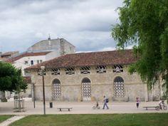 Saintes, musée archéologique installé dans les anciens abattoirs de la ville