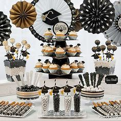 Classy Graduation party Treats Ideas in Black, Gold and Silver - Party City