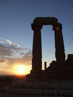 Non potete perdervi i nostri tramonti, le nostre spiagge, i nostri monumenti. Vivete l'esperienza di una vacanza ad #Agrigento www.albachiarerooms.it #Experience of Interlude hotels & resorts