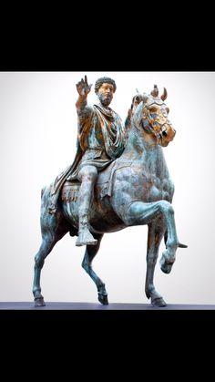 Statua equestre di Marco Aurelio 176 d.C in bronzo dorato conservata nei musei capitolini