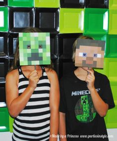 Having a Minecraft party? I'm going to show you How to Create the Ultimate Minecraft Backdrop with a FREE printable template. Minecraft Party, Minecraft Birthday Decorations, Minecraft Ideas, Minecraft Classroom, Minecraft Costumes, Minecraft Mods, Minecraft Stuff, 9th Birthday Parties, Boy Birthday