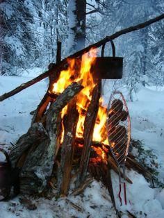 Outdoor lunch on a winter safari, Taivalkoski, Lapland, Finland www.visittaivalkoski.fi