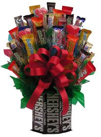 Give a romantic surprise by sending Valentine's day Candy Bouquet online to USA with Giftblooms. buy cute valentines day Candy Bouquet online for him/her. Bouquet Cadeau, Gift Bouquet, Chocolate Bonbon, Chocolate Gifts, Chocolate Basket, Valentine Chocolate, Hershey Chocolate, Chocolate Bars, Craft Gifts