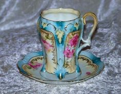 Pretty in blue and pink. Another unusual handle