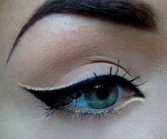 I don't wear make up, but this is really tasteful. I want to try it when I step out. LOL!