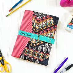 Are you looking for a great end-of-school-year teacher gift? Handmade teacher gifts are always a hit and @upcraftclub has so many great patterns that teachers would enjoy. Last year I made the #sennatote by #lbgstudio. This year I'm using the #northpondnotebookcover by @radianthomestudio It is an easy make, with hundreds of choices for mixing and matching fabrics. I hand embroidered the name, and ✨poof!✨ The result is a perfectly personalized gift.  Fabrics from @joann_stores  #handmade…
