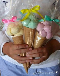 Ice cream cone party favors, fill with candy, marshmallows Candy Table, Candy Buffet, Unicorn Birthday Parties, Unicorn Party, Candy Party, Party Favors, Party Sweets, Baby Shower, Ice Cream Party