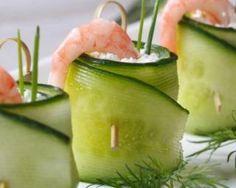 This Cucumber Dill Shrimp Roll-Up recipe is the perfect light appetizer for a summer party. Informations About Rouleaux de concombre au chèvre frais, crevette et citron vert Pin You can easily use my Light Appetizers, Yummy Appetizers, Appetizers For Party, Appetizer Recipes, Shrimp Appetizers, Shrimp Recipes, Cucumber Roll Ups, Buffet Party, Shrimp Rolls