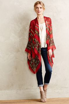 These jeans are my favorite. I like the loose shirt with the bright kimono. This is kind of my everyday look. Style Outfits, Cute Outfits, Fashion Outfits, Fashion Mode, Look Fashion, Bohemian Mode, Boho Chic, Looks Style, Style Me