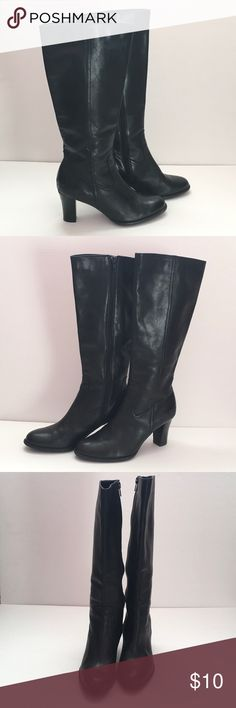 "a.n.a. black leather boots ❤️Condition: used ❤️Brand: a.n.a. (Kohls) ❤️Size: 6 ❤️Materials: leather upper ❤️Measurements: Heel height 3"" back of heel ❤️Notes: wear to back of heel and heel area of boot, reflected in price 💕💕Bundle and save!!!!💕💕 💕💕All reasonable offers are considered!!!!!💕💕 a.n.a Shoes"