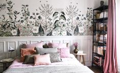 Cute bedroom ideas for girl (baby, toddler, little girl & twin teenage girl).Cute painting and decoration for girls room. Magic Garden, Cute Bedroom Ideas, Bedroom Images, Bedroom Styles, Bathroom Styling, Modern Bedroom, Girls Bedroom, Bedrooms, Decoration