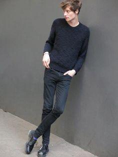 Matt Hitt 一深黑;高統皮靴粗曠,低筒皮鞋紳士。