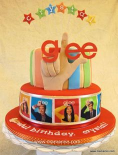 old glee cake Birthday Smiley, 23rd Birthday, Birthday Parties, Birthday Ideas, Birthday Gifts, Happy Birthday Cake Images, Happy Birthday Cakes, Glee Rachel And Finn, Bithday Cake
