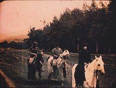 Szene mit Asta Nielsen (rechts) (Einzelbild aus Nitro-Original)