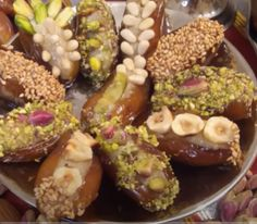 Date Recipes Desserts, Cake Recipes, Ramadan Gifts, Aide, Chocolate Covered, Acai Bowl, Buffet, Brunch, Ice Cream