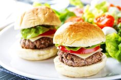 There is nothing more satisfying than a big, ol' burger topped with a variety of delectable ingredients. Try this two-handed feast on a whole wheat bun, with homemade coleslaw, low fat Swiss cheese and heart-healthy avocado! It's a treat! Diner Recipes, Snack Recipes, Snacks Ideas, Keto Recipes, Slimfast Recipes, Diabetic Food List, Clean Eating Menu, Sweet Potato Burgers, Homemade Coleslaw