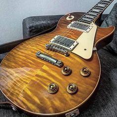 Custom Electric Guitars, Guitar Pins, Les Paul Standard, Beautiful Guitars, Gibson Les Paul, Epiphone, Acoustic Guitars, Instruments, Entertainment