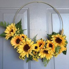 Ideas Embroidery Hoop Wreath Sunflower For 2019 Embroidery Hoop Decor, Embroidery Flowers Pattern, Sunflower Room, Sunflower Wreaths, Fall Crafts, Diy Crafts, Sunflower Baby Showers, Floral Hoops, Xmas Wreaths