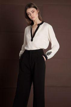 Campaign AW 18/19 – Ancient Kallos :: Hellas Resort Wear Resort Wear, 18th, Campaign, Pants, How To Wear, Fashion, Moda, Trousers, Women Pants