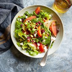 Enjoy a tasty and delicious meal with your loved ones. Learn how to make Orange, pomegranate, and feta salad & see the Smartpoints value of this great recipe. Healthy Recipes, Ww Recipes, Sauce Recipes, Great Recipes, Favorite Recipes, Pomegranate And Feta Salad, Pomegranate Recipes, Ratatouille Recipe, Joe Recipe