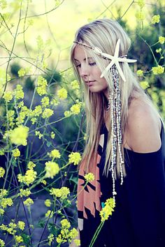 I wish I could pull off this Headdress.