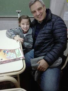 Vicky y su papá, que nos contó la leyenda del salmón y el Martín pescador Kingfisher, Degree Of A Polynomial, Legends, Classroom