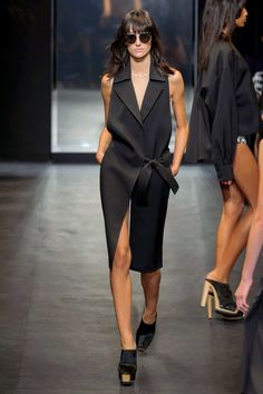 13 - SPRING 2016 RTW VERA WANG COLLECTION