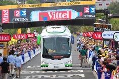 The Orica GreenEdge bus was stuck on the line - Tour de France