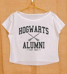 Blusa corta de ex-alumnos de Hogwarts: | 35 regalos ingeniosos que cualquier amante de los libros querrá guardar para sí mismo