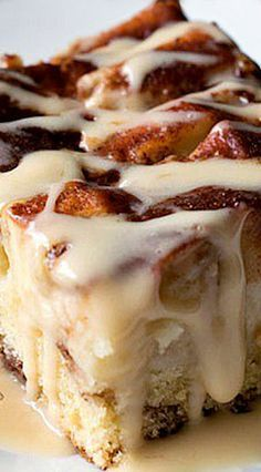 New England Apple Cider Cake ~ very delicious... chock full of sliced Granny Smith apples in a simple, sweet cake that gets great flavor and moisture from cinnamon, heavy cream and apple cider! This cake also has a delicious, creamy apple cider glaze that gets drizzled over the top when served!