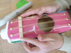 Recykling-Basteln: Gitarren aus Tetra Pak | Die Angelones – der ehrliche und nützliche Familienblog