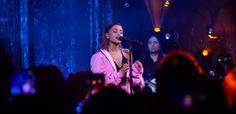 Ariana Grande Lands First UK Charts' Number One Album for 'Dangerous Woman' - http://www.movienewsguide.com/ariana-grande-uk-number-one-album-dangerous-woman/217867