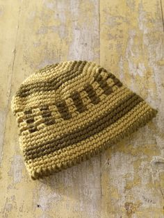 Free Crochet Pattern 81087AD Coffeehouse Cap : Lion Brand Yarn Company