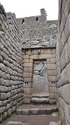 Inca architecture - The use of dry-stone walls (Ashlar) - Machu Picchu by Jorge Lascar, via Flickr