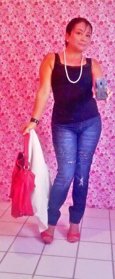 Olá Divas e admiradores, hoje no Blog: Batalha de looks. No www.batombordeaux.blogspot.com.br