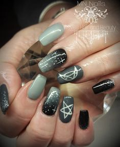 30 ideas which nail polish to choose - My Nails Black And White Nail Art, White Nails, Black White, White Nail Designs, Nail Art Designs, Simple Nail Designs, Witchy Nails, Gothic Nails, Goth Nail Art