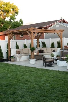 When all is finished, you can start to create a pergola, so it's prepared to delight in summer. A pergola may be an effortlessly stylish method to entertain and revel in your outdoor space without sacrificing your comfort or price… Continue Reading → Small Backyard, Backyard Decor, Large Backyard, Patio Design, Pergola Designs, Backyard Landscaping Designs
