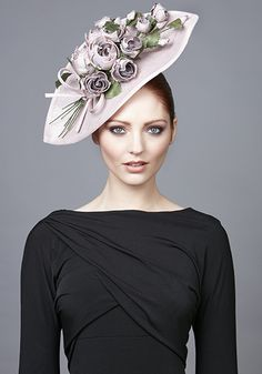 2017 - - Pale pink wave hat with rose stems and bow Rachel Trevor Morgan, Hat World, Occasion Hats, Rose Stem, Pink Leaves, Kentucky Derby Hats, Hats For Women, Ladies Hats, Pale Pink