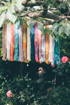 Dying wool with food colouring! Crochet Yarn, Knitting Yarn, Wedding Bunting, Kool Aid, Loom Weaving, Color Stories, Food Coloring, Deco, Color Inspiration